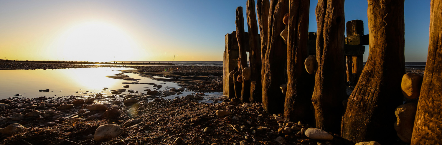 Landscape-Tide-Out-Sea-Groynes